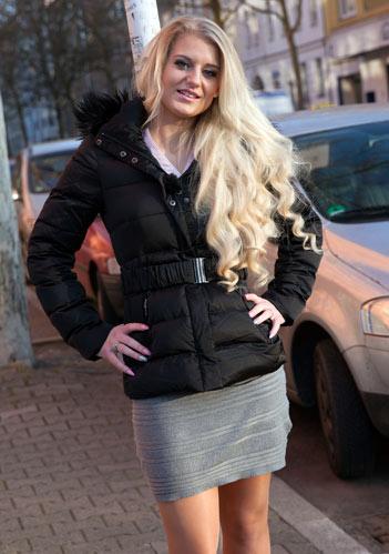 Anna-blond